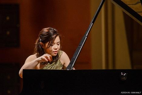 Čínská pianistka Sa Chen na Pražském jaru