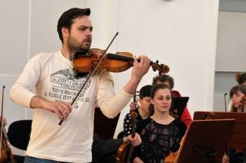 Bratislava: Dalibor Karvay a Marek Štryncl s mladými umělci