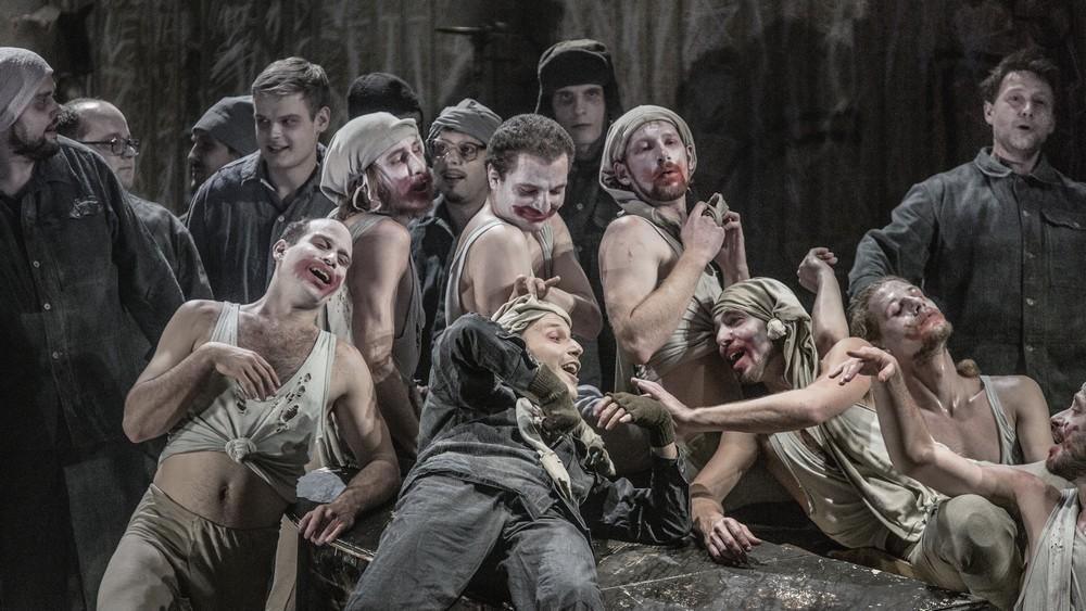 """Polemika: Špinarův """"mrtvý dům"""" aneb Konec opery v Čechách"""