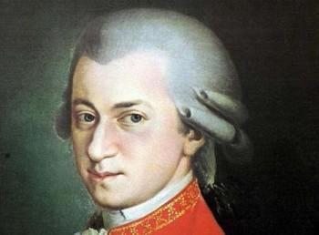 O pramen Mozartových vlasů byl obrovský zájem. Vydražil se za víc než milion