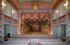 V Litomyšli se zachovaly původní lampičky zámeckého divadla