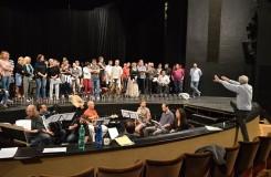 Prodaná nevěsta ve Zlíně: zpívají všichni zaměstnanci divadla