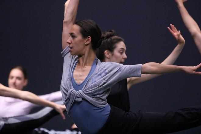 Kristýna Němečková (foto Dresden Frankfurt Dance Company/Raffaele Irace)