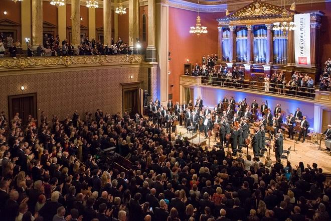 Česká filahrmonie - Jiří Bělohlávek (dirigent), Yo-Yo Ma (violoncello) - Dvořákova Praha 2015 (foto Petra Hajská)