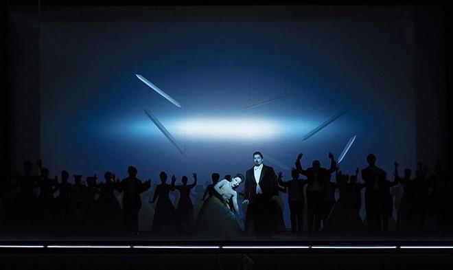 Giuseppe Verdi: La traviata – Jacques le Roux (Alfredo Germont), Myung Joo Lee (Violetta Valéry) – Musiktheater 2015 (foto Olaf Struck)