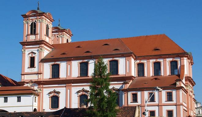 Jezuitský kostel Zvěstování Panně Marii Litoměřice