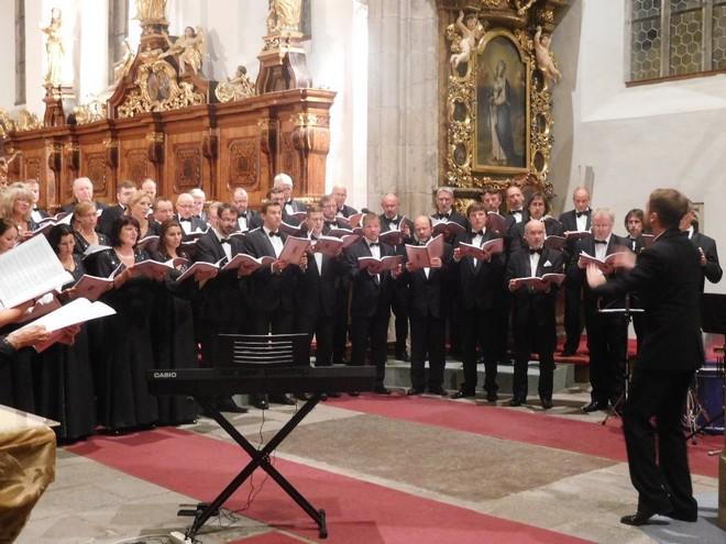 Zimní Třeboňská nocturna 2015: Lukáš Vasilek, Pražský filharmonický sbor - kostel sv. Jiljí Třeboň 2015