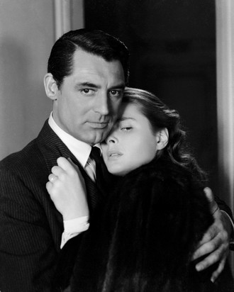 Cary Grant a Ingrid Bergman ve filmu Notorious (1946)