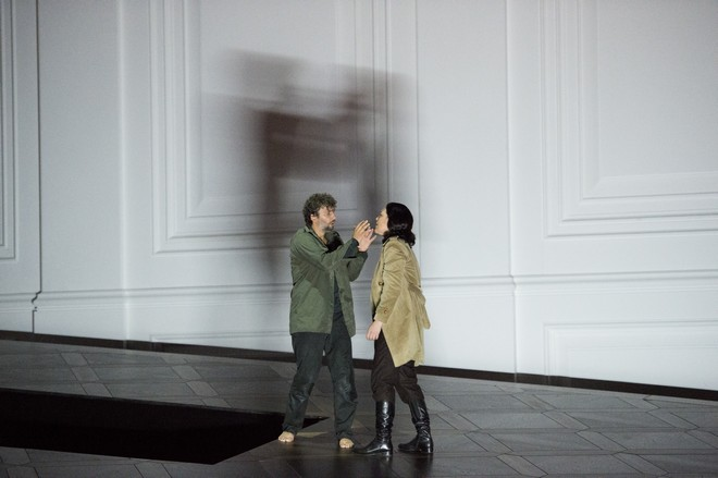 Ludwig van Beethoven: Fidelio - Jonas Kaufmann (Florestan), Adrianne Pieczonka (Leonore) - Salzburger Festspiele 2015 (foto Monika Rittershaus)