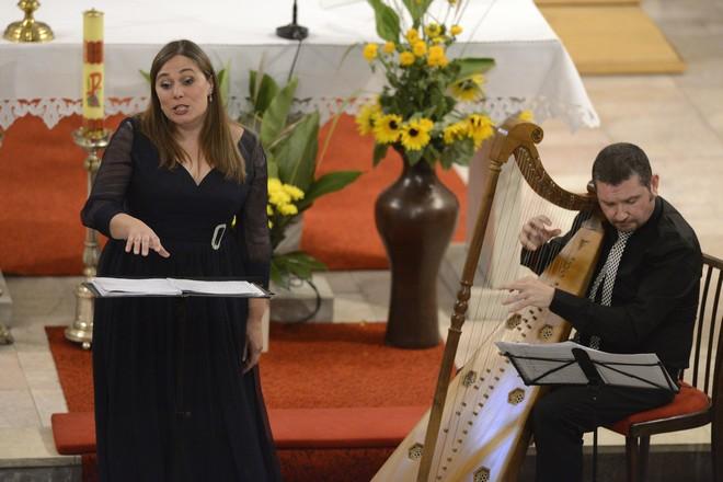 Svatováclavský hudební festival 2015 - Marta Infante, Manuel Vilas - kostel sv. Vavřince Paskov 2015 (foto SHF / Ivan Korč)