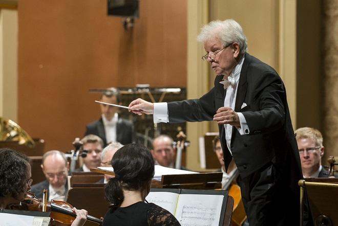 Česká filharmonie - Jiří Bělohlávek - Rudolfinum 7.10.2015 (foto ČF)