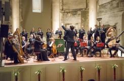 Luksovo Collegium poprvé v Pražské křižovatce