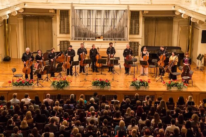 Dvanáct violoncell – Brněnští violoncellisté – Moravský podzim 2015 (foto Petr Francán)