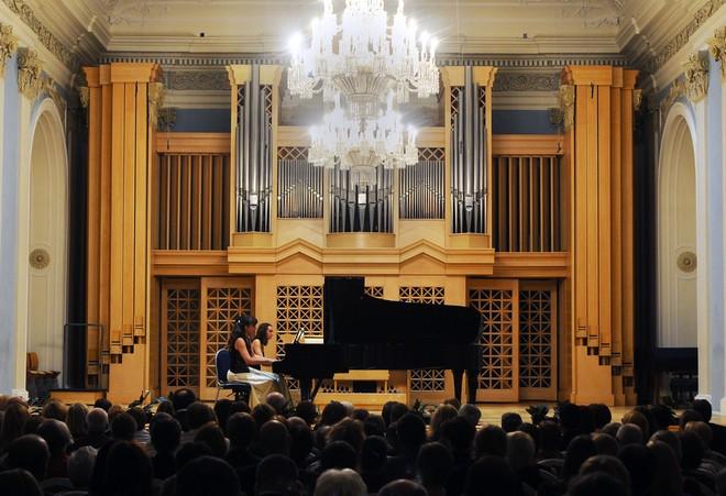Markéta Týmlová a Slávka Vernerová - Martinské slavnosti klavíru 2015 Praha (foto Martinské slavnosti klavíru)