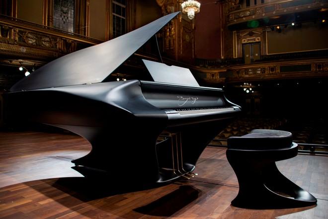 klavír Gergely Bogányiho
