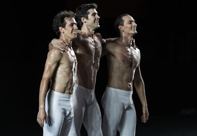 Viaggio nella Bellezza Tour – Alexandre Riabko, Roberto Bolle a Jiří Bubeníček - Teatro dell'Opera di Roma 27. júla 2015 (foto Luciano Romano)