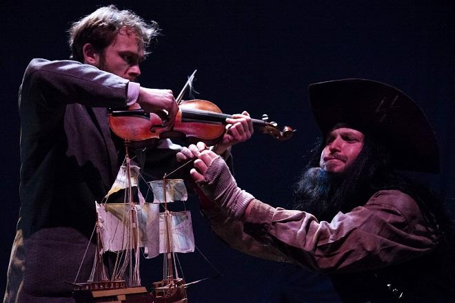 Pirát a lékárník (foto Roland Szabo)