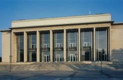 U Janáčkova divadla je špatná i střecha, chystaná rekonstrukce se tak výrazně prodraží