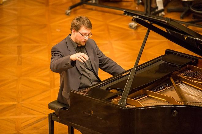 Klavírní recitál - Jan Jiraský - Moravský podzim 2015 (foto Petr Francán)