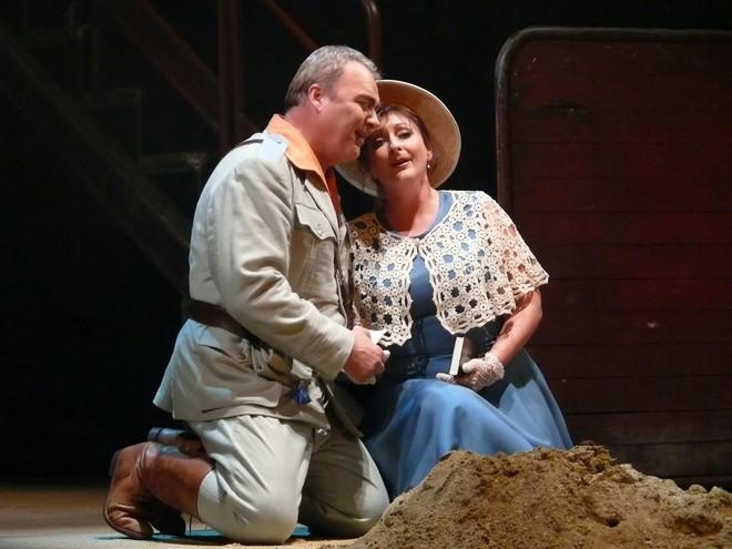 Georges Bizet: Carmen - Miroslav Dvorský (Don José), Adriana Kohútková (Micaela) - SND Bratislava 2002