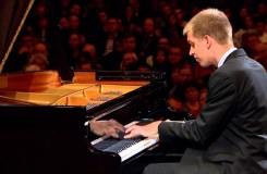 Finalisté Chopinovy soutěže vyhlášeni, bez našeho Marka Kozáka