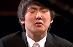 Vítězem 17. ročníku Chopinovy soutěže se stal korejský klavírista Seong-Jin Cho