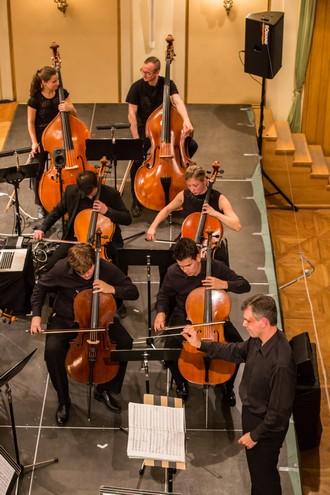 Klasika a audiovizuální koncert - Pavel Šnajdr, Orchestr Berg - Moravský podzim 2015 (foto Petr Francán)