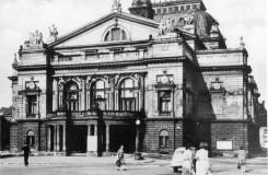Sto padesát let divadla v Plzni (2)