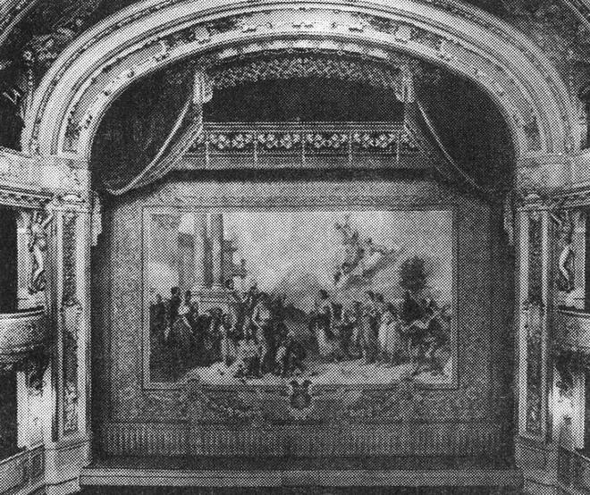 Pohled na portál s dekorativní oponou (foto www.theatre-architecture.eu/archív Jiřího Hilmery)