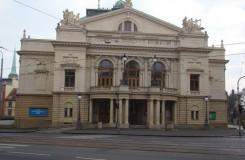 Velké divadlo v Plzni: Na měsíc zavíráme