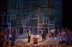 V brněnské opeře sháněli desítky starých oken. Chystají premiéru Smetanovy Hubičky
