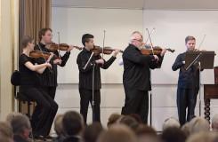 Slovenský komorní orchestr: Torelli, Wagenseil, Salva, Suk