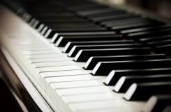 Vážná hudba, ale i pop, lidovky a jazz. Hledá se pianista roku