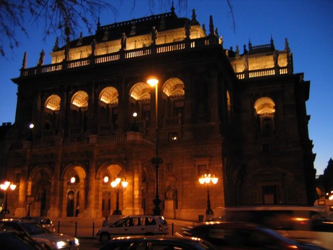 Magyar Állami Operaház Budapešť (foto Andrew Bossi)