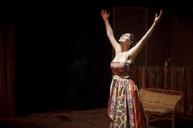 B.Martinů: Mirandolina - Ivana Pavlů (Mirandolina) - Divadlo na Orlí 2015 (foto Jan Dvořák)