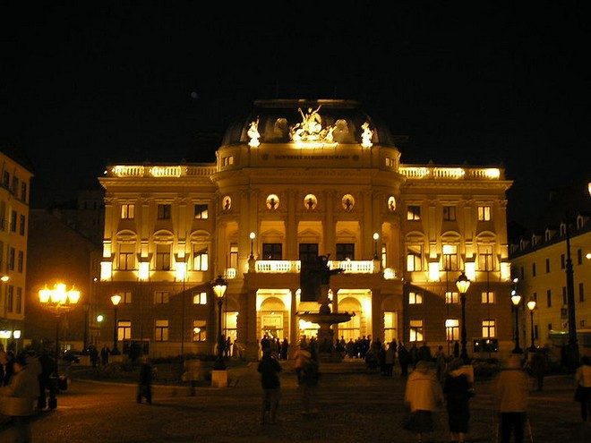 Slovenské národné divadlo Bratislava (foto archiv)