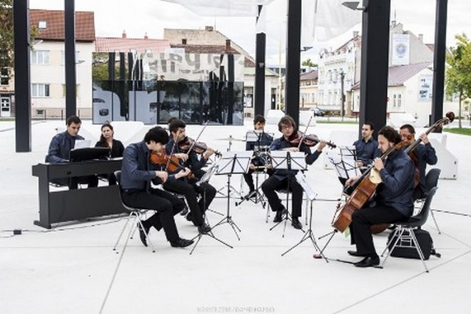Quasars Ensemble (zdroj webové stránky Melos-Étos/ilustrační foto)