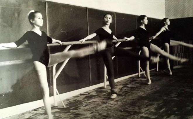 Ze školy - Olga Borisová-Pračiková - prvá zľava - 1991 (foto archív Olgy Borisovej-Pračikovej)