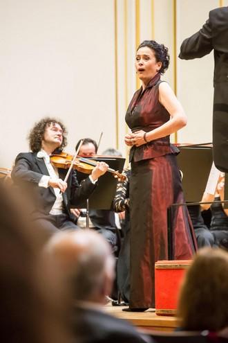 Vianočný koncert - Simona Houda Šaturová - Velká sála Slovenskej filharmónie Bratislava 2015 (foto Jakub Jorik)
