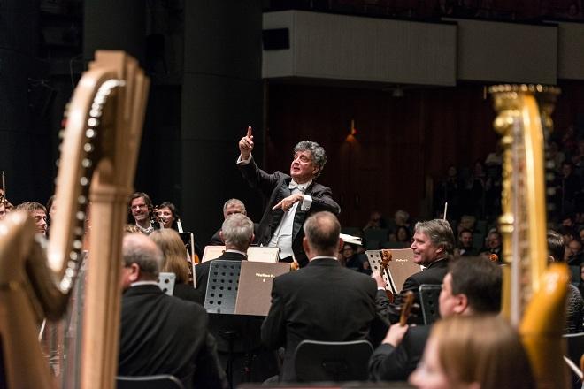 Filharmonie Brno & Aldo Ceccato - Janačkovo divadlo Brno 2015 (foto Jiří Jelínek)