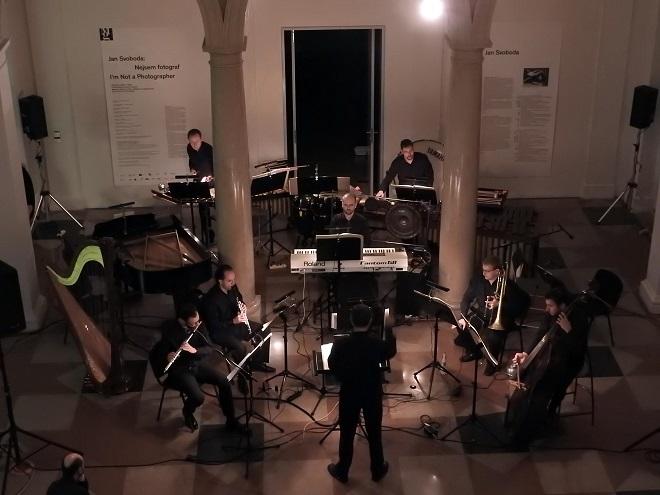 Brno Contemporary Orchestra & Pavel Šnajdr (foto Michaela Bóková)