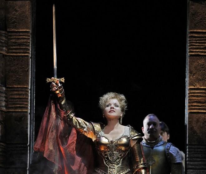 G. Donizetti: Lucrezia Borgia - Renée Fleming (Lucrezia) San Francisco 2011 (foto Cory Weaver)