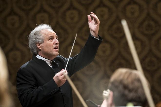 Česká filharmonie - Manfred Honeck - Praha 17.12.2015 (foto ČF)