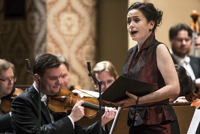 Simona Houda Šaturová - Česká filharmonie - Praha 17.12.2015 (foto ČF)