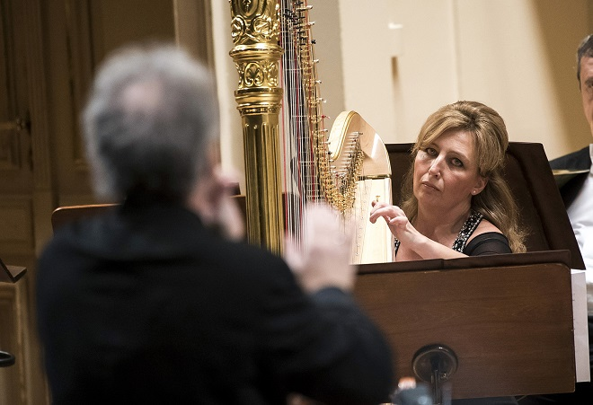 Jana Boušková (harfa) - Manfred Honeck - Česká filharmonie - Praha 17.12.2015 (foto ČF)