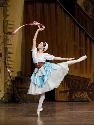 F.Ashton: La Fille mal Gardée - Maria Yakovleva (Lise) - Wiener Staatsoper 2015 (foto Wiener Staatsoper / Ashley Taylor)