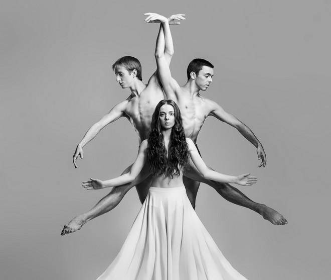 Kalendář Baletu Národního divadla - Alina Nanu, Matěj Šust a Mathias Deneux (foto Pavel Hejný)