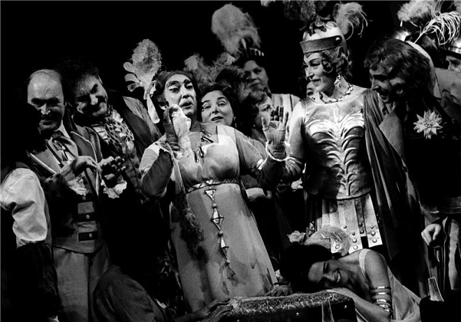 G.Donizetti: Poprask v opeře - ND Praha 1977 (foto Jaromír Svoboda)