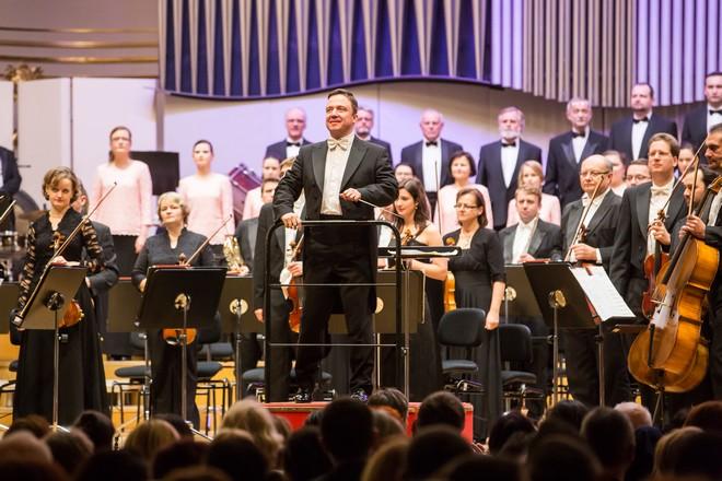 Vianočný koncert - Jaroslav Kyzlink, Slovenská filharmónia - Velká sála Slovenskej filharmónie Bratislava 2015 (foto Jakub Jorik)