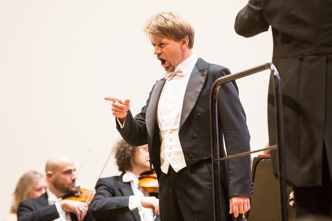 Vianočný koncert - Pavol Remenár - Velká sála Slovenskej filharmónie Bratislava 2015 (foto Jakub Jorik)